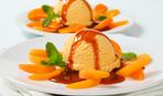 """Десерт дня: мороженое """"Любовник"""" с коньячным соусом"""
