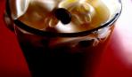 Молочный коктейль с кофе и клубникой