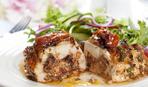 Фаршированные куриные грудки с помидорами и базиликом
