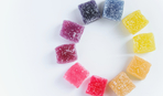 Разноцветные цукаты из арбузных корок: полезный и экономный десерт