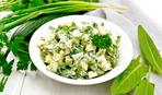 Салат из молодого картофеля, щавеля и зелени