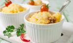 Куриное филе, запеченное с шампиньонами, сельдереем и сыром