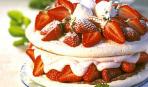 Меренги с кремом  и фруктами