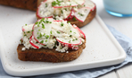 Полезный бутерброд: редис и творог