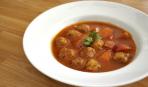"""Ужин на скорую руку: фрикадельки """"Крошки"""" в овощном соусе"""