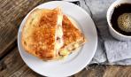 Гренки с картофелем и сыром на завтрак