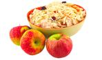 Салат из квашеной капусты с яблоками и брусникой: бабушкин рецепт