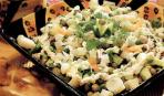 Салат из картофеля, стручкового горошка и фасоли