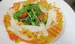 Карпаччо из лосося с соусом из манго