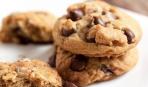 Печенье с шоколадными кусочками и орехами