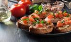 Мировая закуска: салат из тунца и фасоли - на гренках