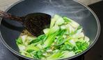 Брокколи с капустой бок-чой