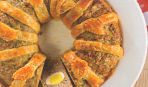 Мясное кольцо с перепелиными яйцами