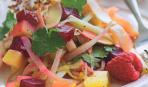 Салат из свеклы, картофеля и копченой индюшки