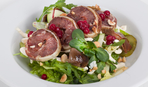 Салат из водяного кресса с маринованой говядиной