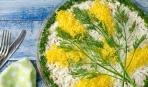 Веточка мимозы - символ весны: как украсить блюда на 8 марта