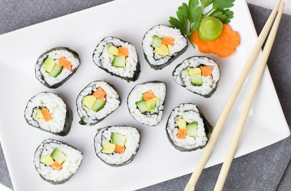 Как делать суши в домашних условиях: рецепты с фото пошагово
