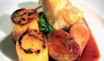 Запеченный морской черт с картофелем, шпинатом и карамелизированным шалотом