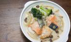 Суп с брокколи и соленым лососем