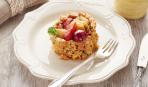 Современные десерты: фрукты фламбе с орехово-малиновым нугатином