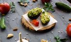 Салат с креветками и авокадо на Пасху