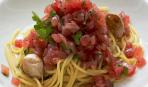 Спагетти с чесноком, оливковым маслом и тартаром из тунца