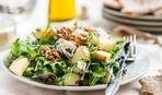 Салат из голубого сыра и груши