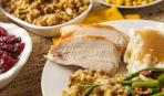 Печеная индейка в жилете из бекона: праздничное блюдо