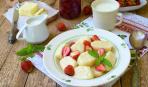Ленивые вареники с фруктовым соусом