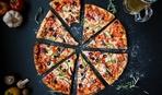 Пицца с салями и маслинами - простой рецепт