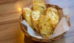 Если гости на пороге, а холодильник пуст: Сырный багет