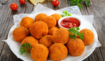 Закуска в греческом стиле: сырные крокеты