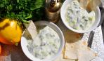Цацики - греческий йогуртовый соус с огурцом и чесноком