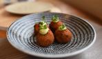 Блюдо дня: котлеты по-японски с сыром и ветчиной