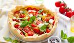 Вкусный завтрак на скорую руку: пирог с помидорами и сыром
