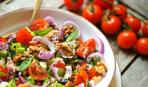 Салат из помидоров: 5 лучших рецептов