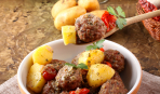 Картофель с тефтелями: рецепт, который удивит всех