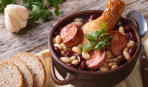 Согревающий фасолевый суп с рулькой: лучшее блюдо ноября