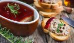 Новогоднее меню: печеночный паштет с винным желе
