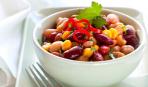 Постный салат с фасолью, кукурузой и болгарским перцем