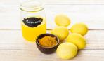 Как покрасить яйца натуральными красителями: желтый