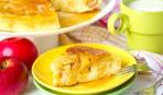 Шустрый яблочный пирог в микроволновке: 15 минут и готово