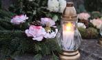 Поминальні дні: які квіти краще принести на могилку