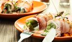 Готовим на гриле: Адские колбаски с овощами