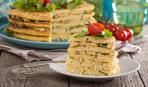 Блюдо дня: кабачковый торт с творожной начинкой