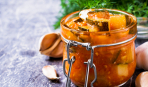 Фруктово-овощное наслаждение: зимний салат из кабачков и слив