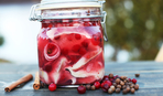 Сельдь маринованная в красном вине по-скандинавски
