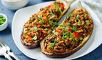 Как приготовить вкусные фаршированные баклажаны (видео-рецепт)